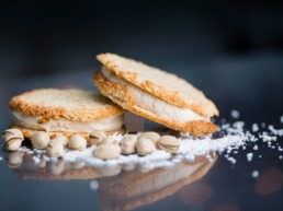Macan Pistach Ice-Cream Sandwich